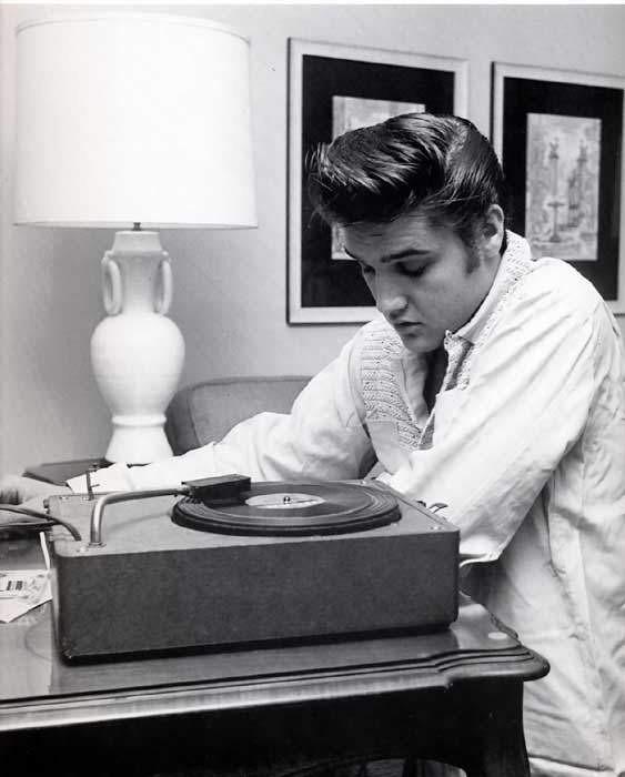 Elvis Presley - Page 2 0e8dc5a5