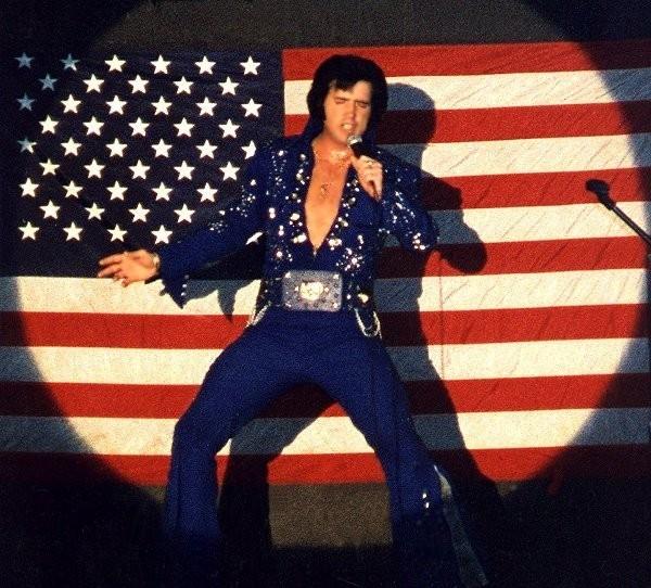 Elvis Presley - Page 2 1daeb2dd