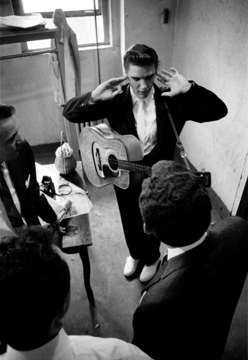 Elvis Presley - Page 2 24303a82