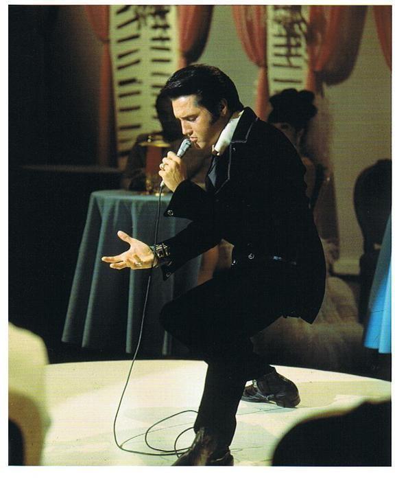 Elvis Presley - Page 4 43984b0c