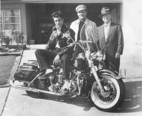Elvis Presley - Page 4 7733196b