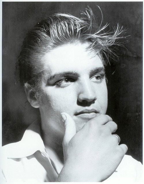 Elvis Presley - Page 2 8d06f519