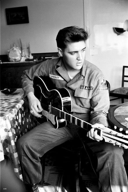 Elvis Presley - Page 4 A51f2aed