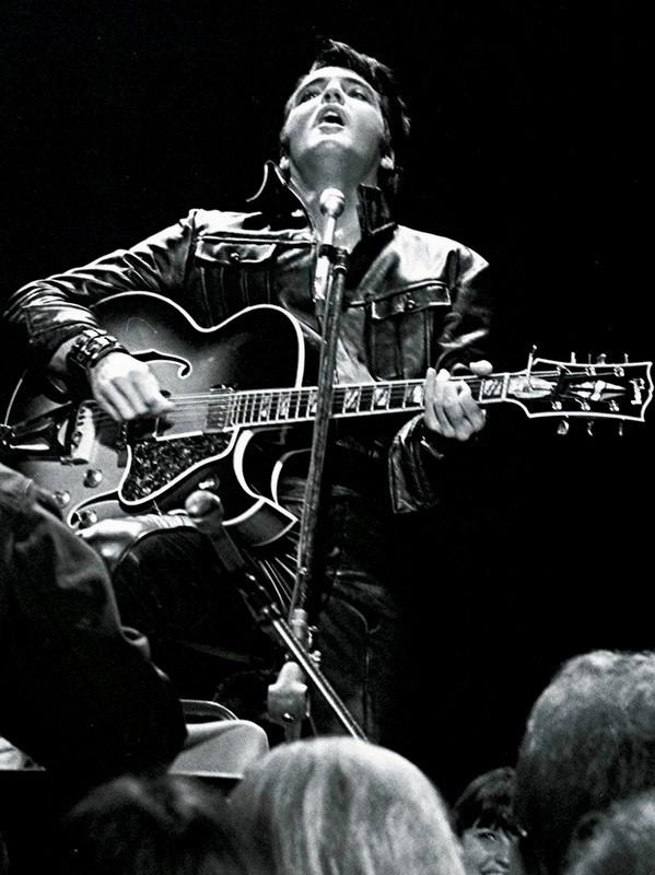 Elvis Presley - Page 2 C570ab34