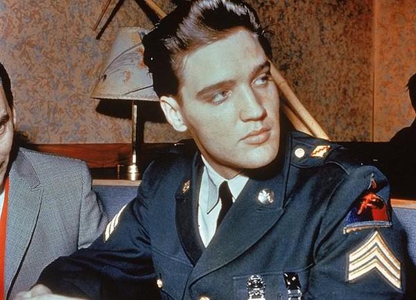 Elvis Presley - Page 4 E1659dc3